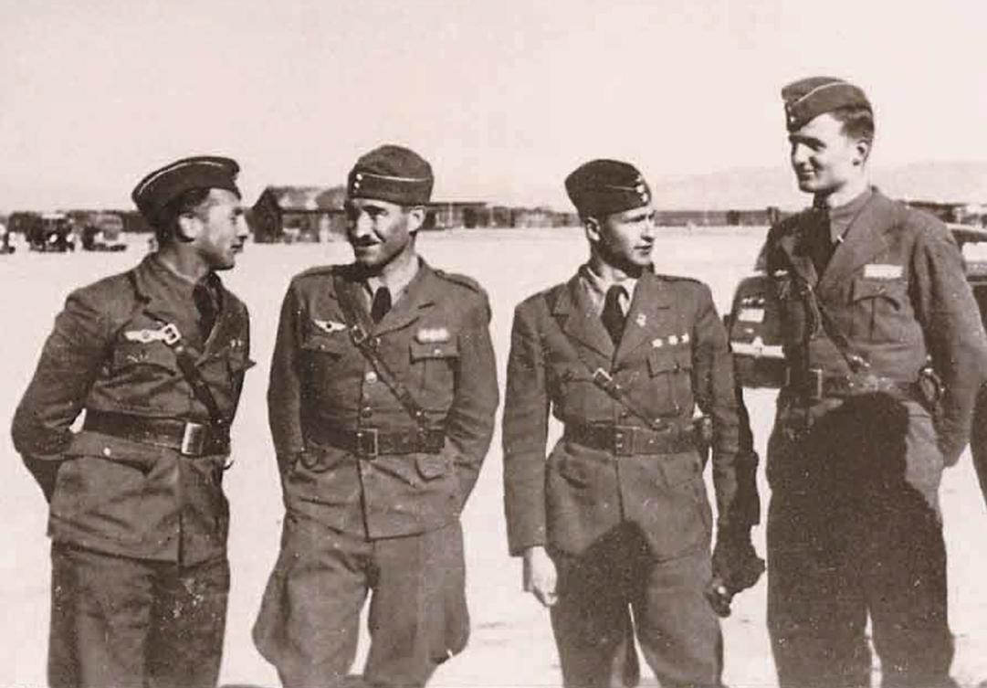 De izquierda a derecha; Tenientes Schellmann, Schlichting, Galland y D'Elsa
